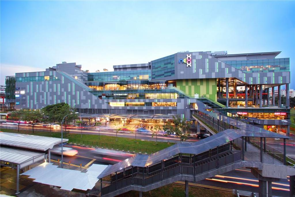 Serangoon Nex Shopping Mall photo.jpg